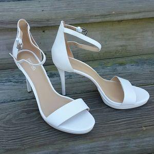 Michael Kors white heels Size 9.5